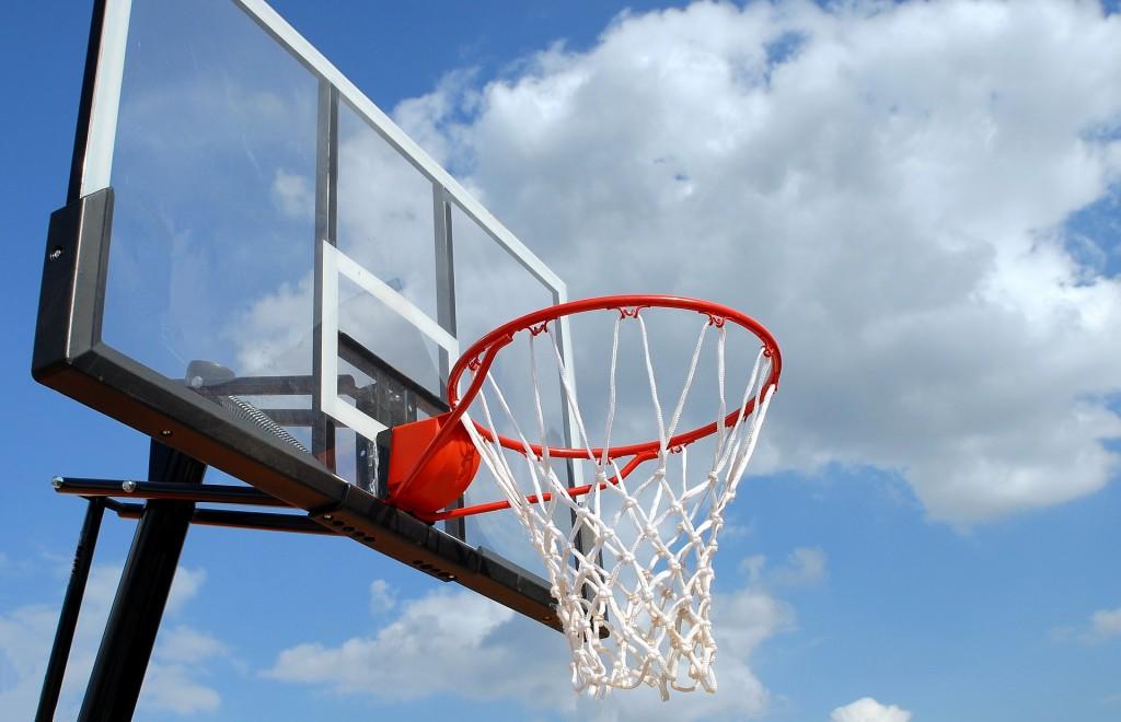 outdoor-basketball-1639860_1920